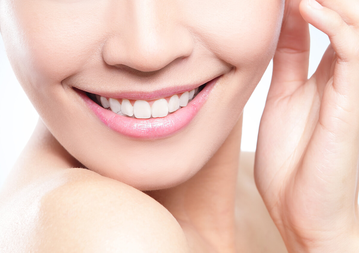 3-plus ways a cosmetic dentist rejuvenates your smile in sunny Fort Lauderdale, FL